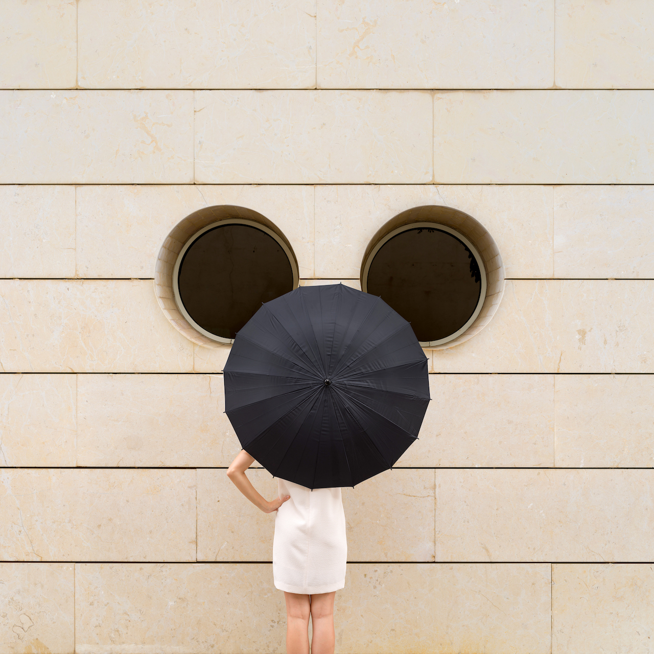 Annandaniel Anniset DrCuerda Creative Influencer campaign Disney Mickey Mouse 90 Anniversary Wall Disney