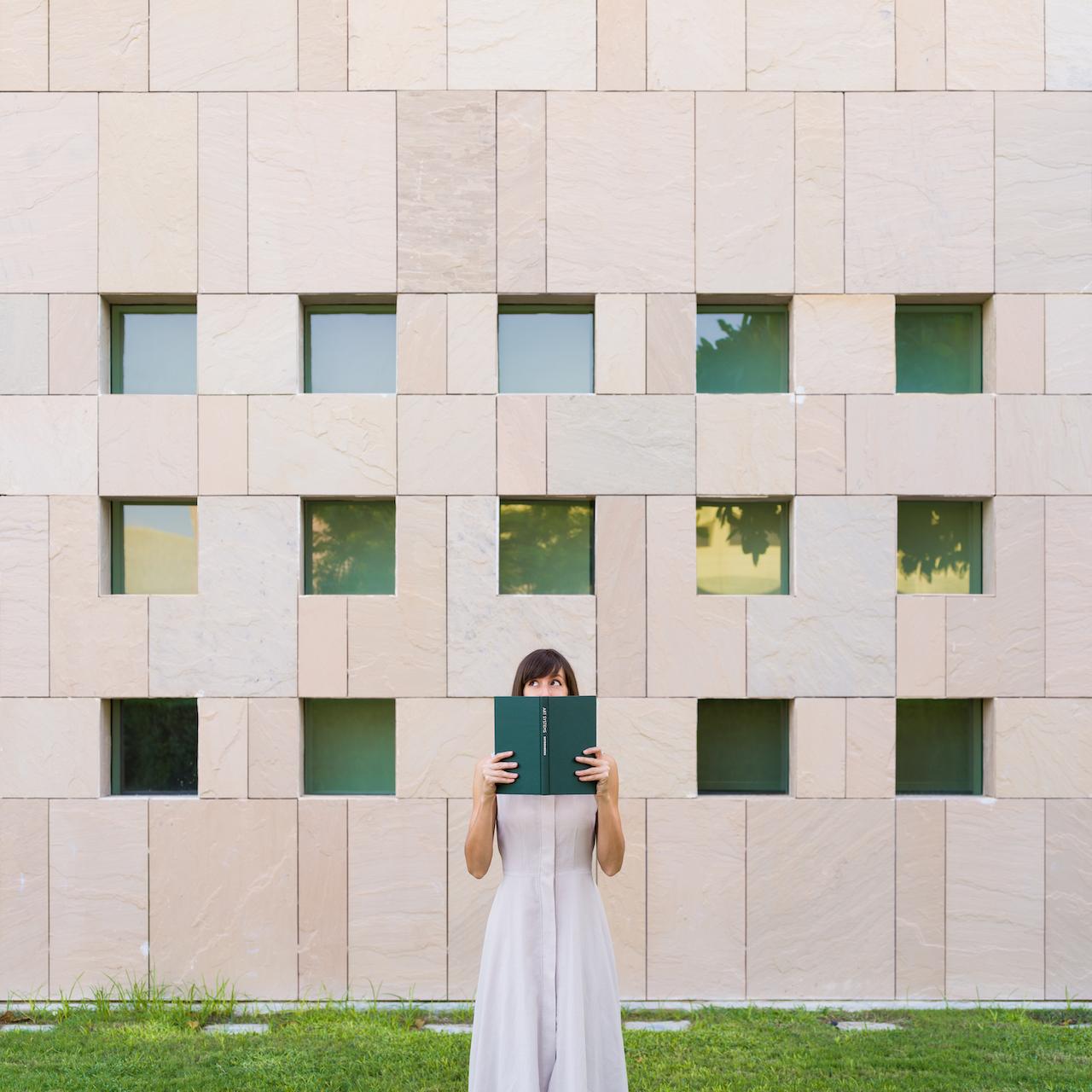 Annandaniel Anniset DrCuerda Anna Devís Daniel Rueda Happytecture Creative Minimal Surreal Fine Art Architecture Photography Happytecture Book Windows Multaqa Qatar Doha City Education